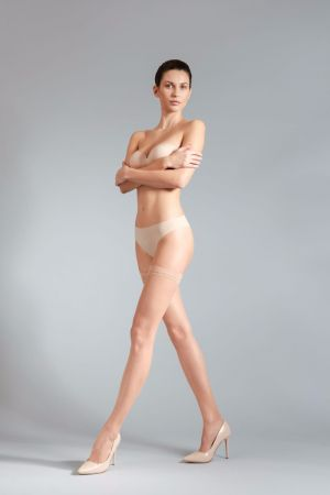 Simply Nude 8 - Selbsthalter